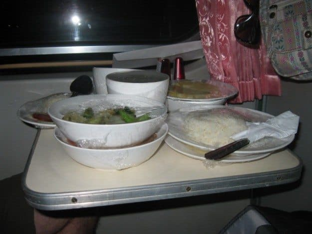 dinner on overnight train bangkok