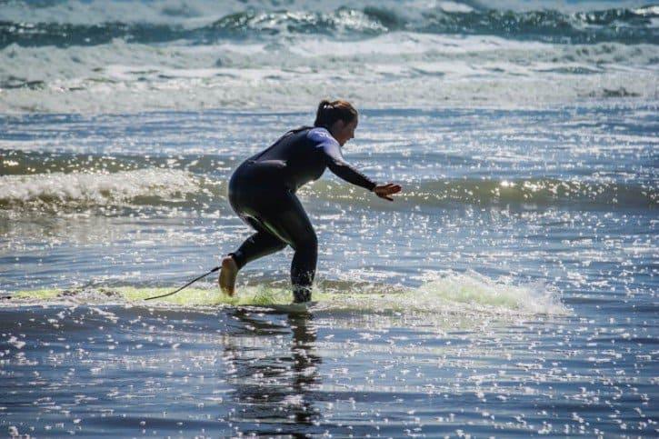 Piha Beach New Zealand - surfing