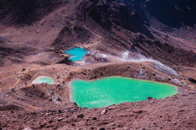 Tongariro Crossing New Zealand - Emerald Pools