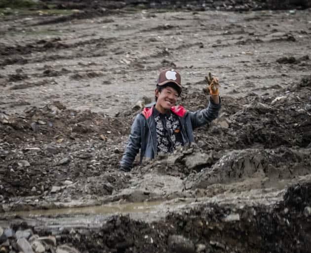 People of Tibet Road Worker