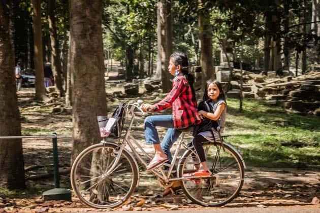 Cambodian locals siem Reap Cambodia Divergent Travelers