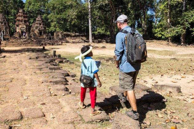 Complete Guide to Visiting the Angkor Temples Begging Kids Siem Reap Cambodia