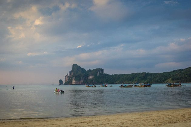 Complete Guide to the Phi Phi Islands Lo Dalum Bay