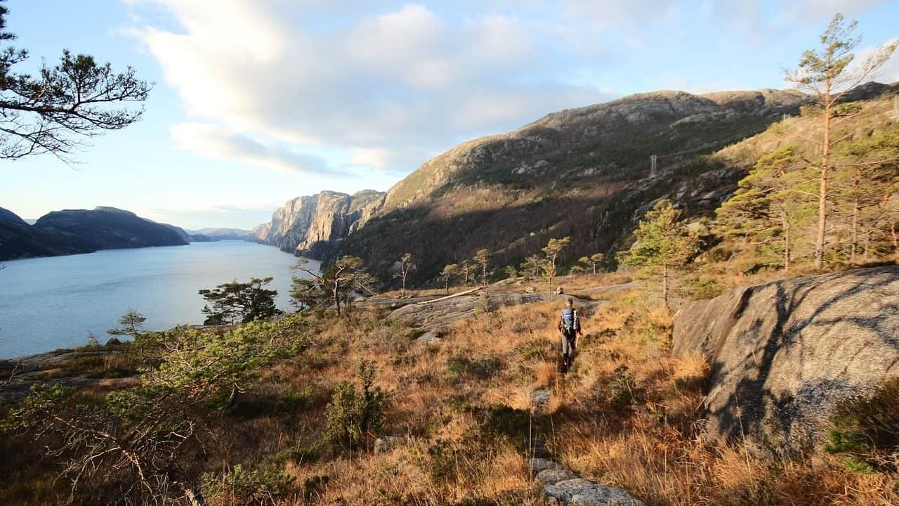 Hiking in Norway - Divergent Travelers